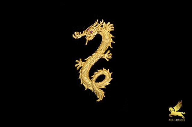 Hình ảnh rồng mạ vàng là linh kiện được gắn trên điện thoại mạ vàng