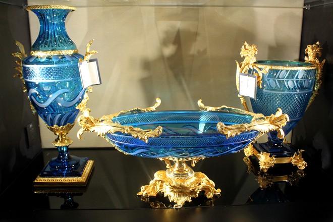 Sản phẩm nội thất mạ vàng - Bình hoa mạ vàng