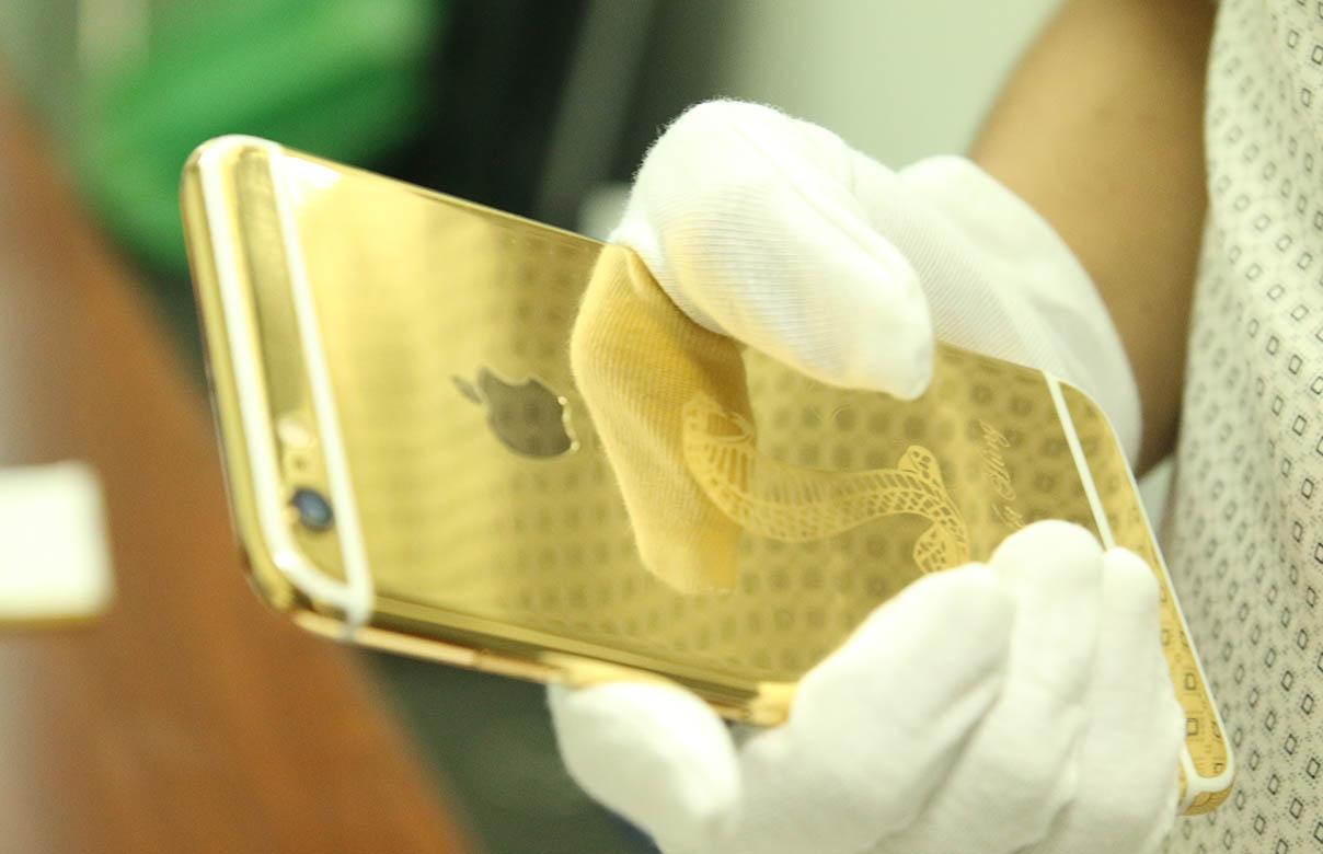 Ip6 mạ vàng khắc hình rắn- Vina Gold Art