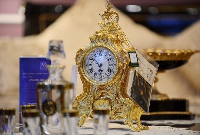 Đồng hồ mạ vàng - Sản phẩm nội thất nhà mạ vàng