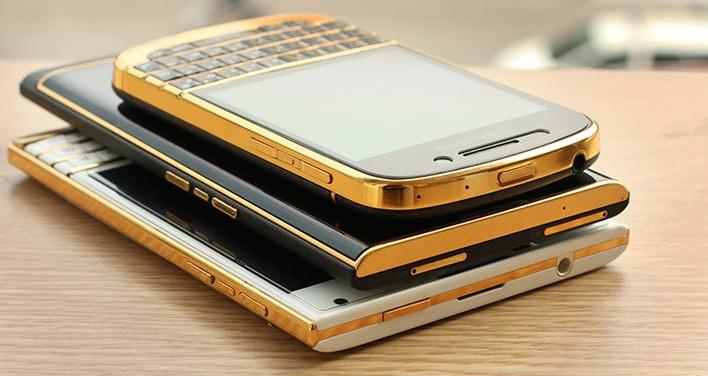 blackberry 9930 mạ vàng 24k