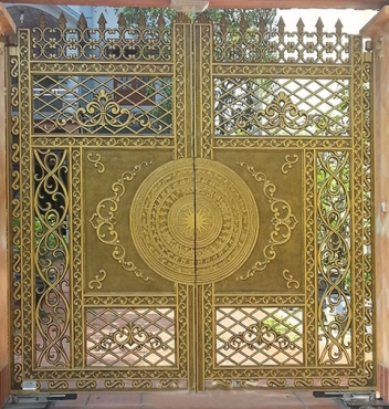 Cổng biệt thự mạ vàng