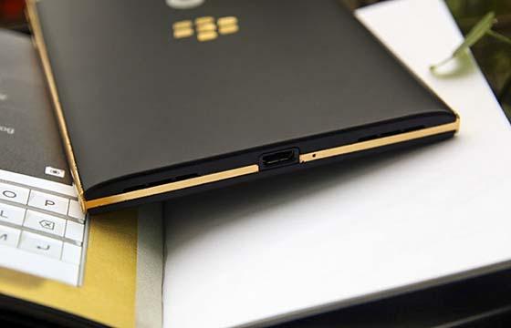Điện thoại Blackberry Passport mạ vàng 24k
