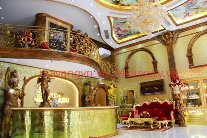 lâu đài mạ vàng