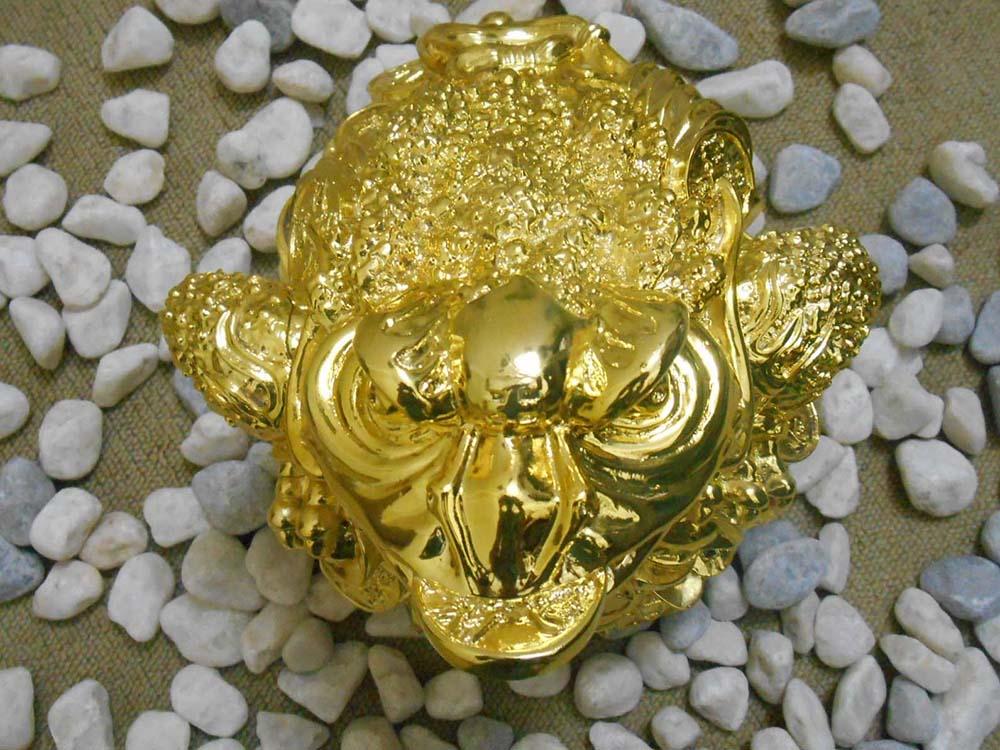thiềm thừ mạ vàng