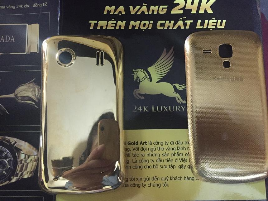 Vina Gold Art thực hiện cả mạ bóng và mạ sần trên sản phẩm điện thoại vỏ nhựa