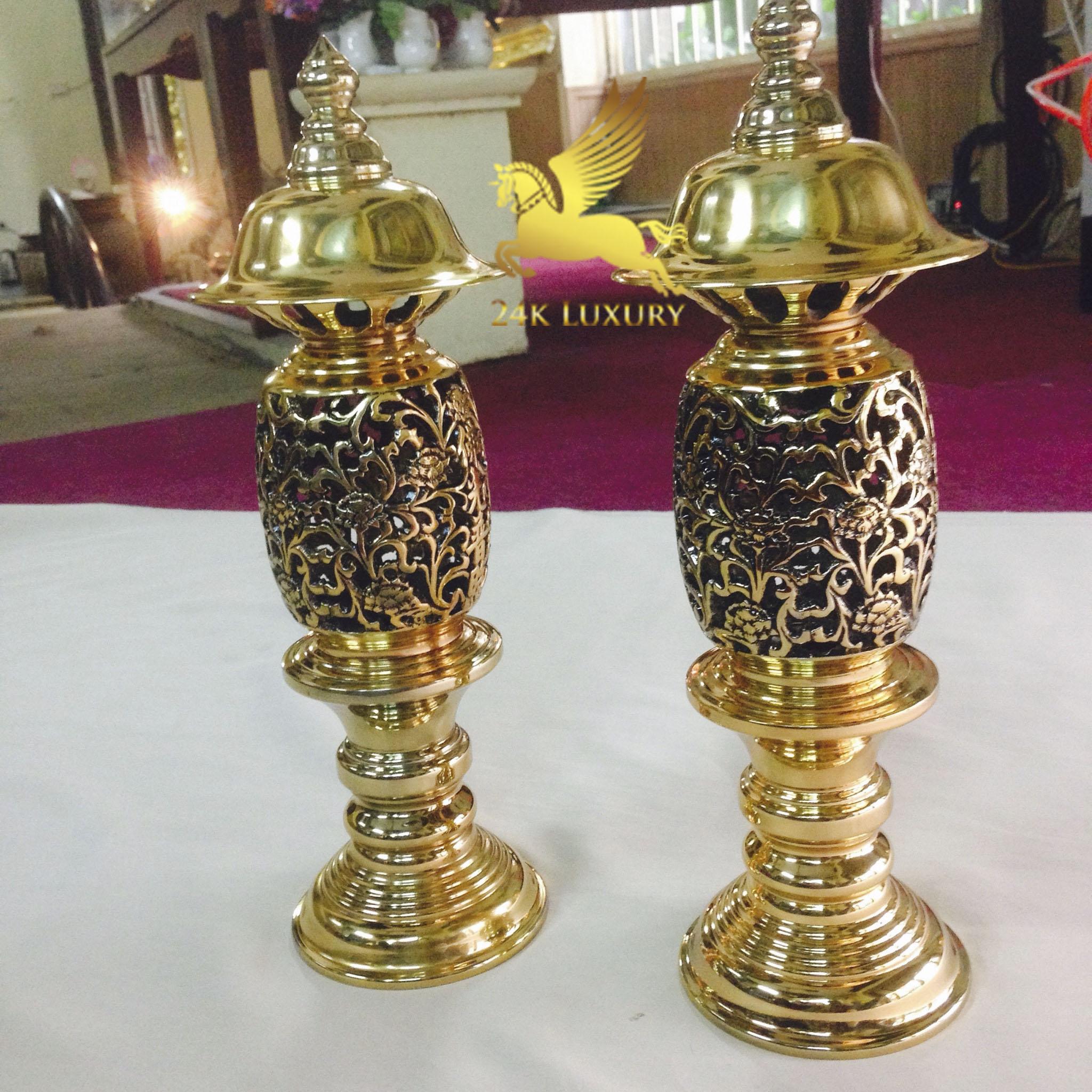 đèn thờ mạ vàng- sản phẩm đang được nhiều người lựa chọn nhất trong thời gian vừa qua.
