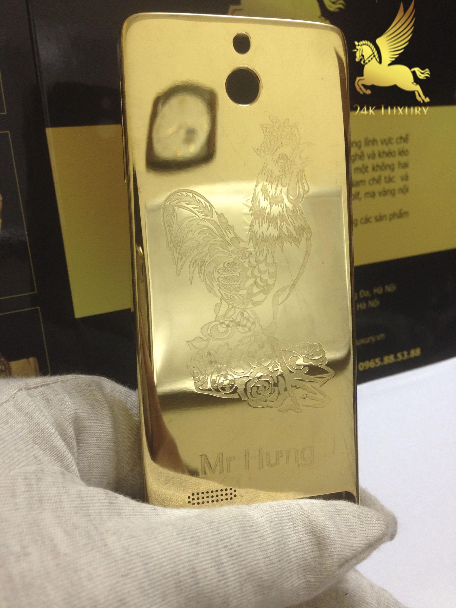 Điện thoại Nokia khắ hình gà mạ vàng là một mẫu điện thoại đẹp, sang trọng và mang lại nhiều ý nghĩa sâu sắc.