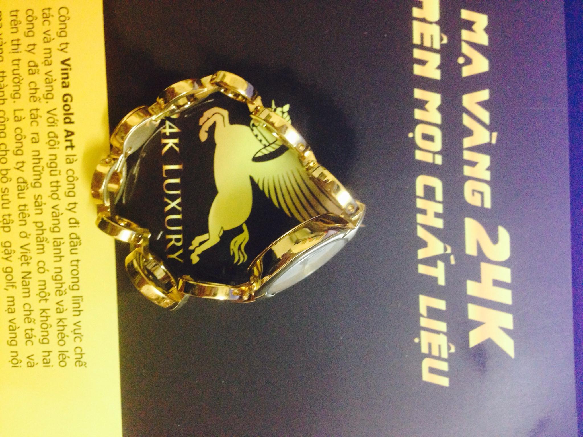 Đồng hồ nữ mạ vàng sẽ thể hiện bạn là một người lịch thiệp, chỉnh chu, cá tính và rất đáng tin cậy