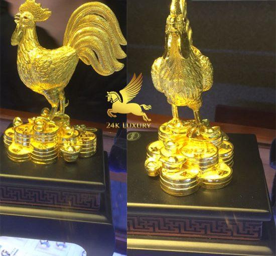 Tượng gà đúc vàng nguyên khối là một linh vật phong thuỷ mang lại nhiều ý nghĩa đặc biệt