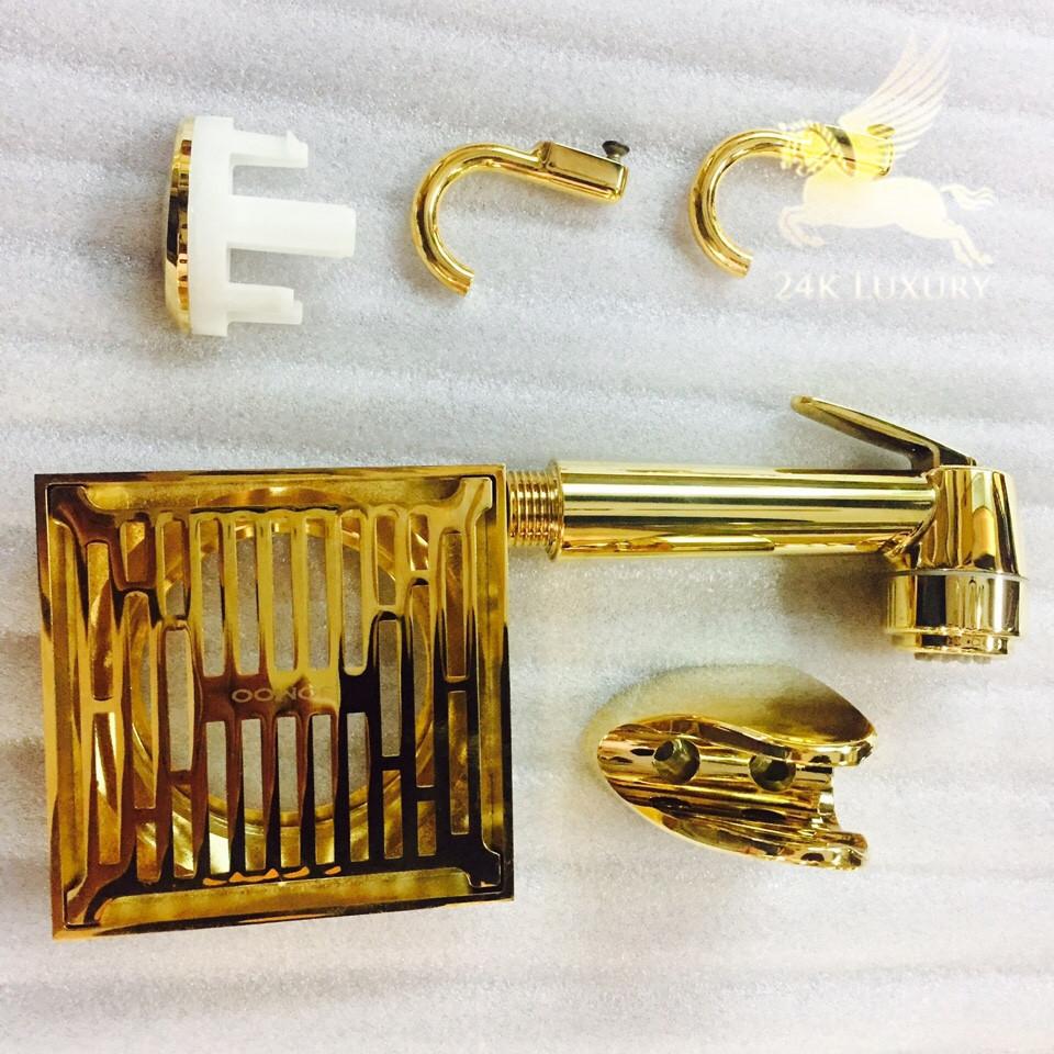 Ga thoát sàn mạ vàng nằm trong bộ sưu tập phụ kiên nhà tắm mạ vàng tại Vina Gold Art