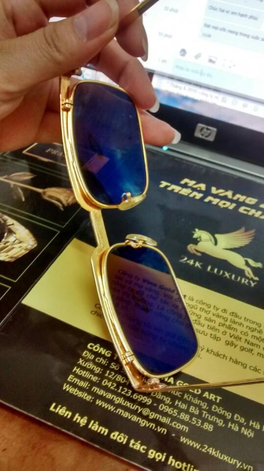 Từng chi tiết và bộ phận của kính thời trang đều được mạ vàng 24kTừng chi tiết và bộ phận của kính thời trang đều được mạ vàng 24k