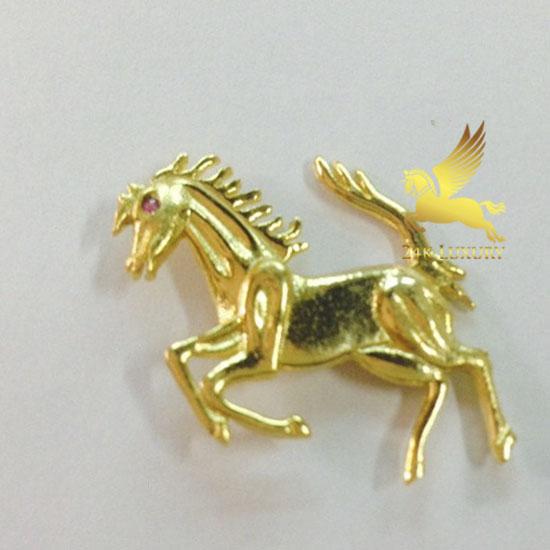 Ngựa mạ vàng là linh kiện có nhiều ý nghĩa đặc biệt trong phong thuỷ