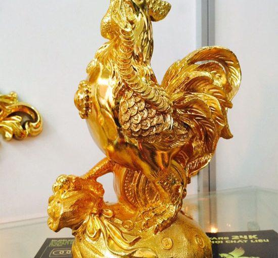 Tượng gà trên túi tiền mạ vàng 24k tại Vina Gold Art