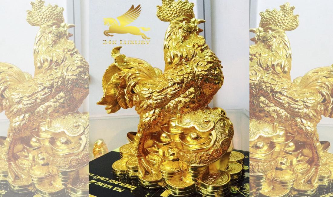 Tượng Gà đứng trên túi tiền mạ vàng- Vina Gold Art