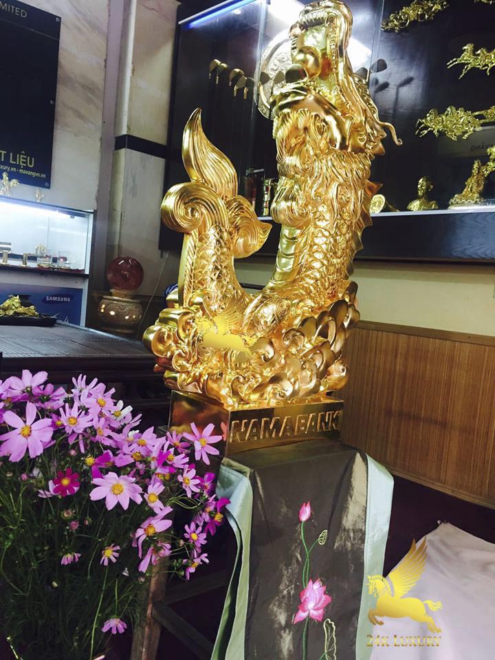 Tượng Cá Chép hoá Rồng phun vàng- Vina Gold Art