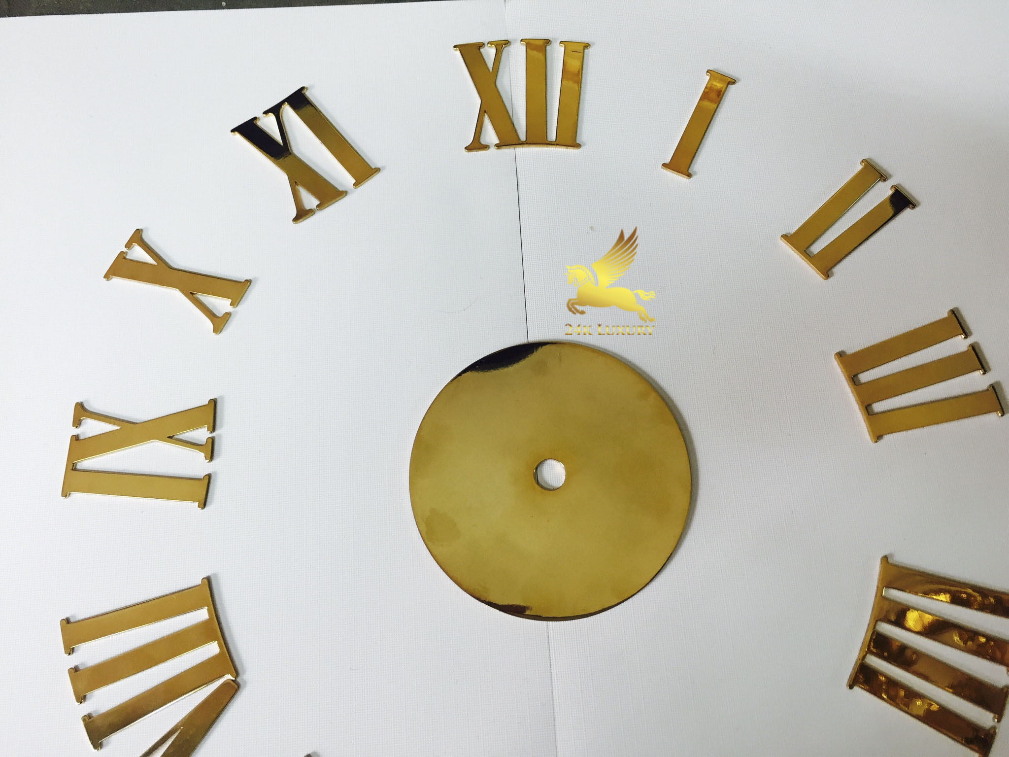 Đồng hồ treo tường mạ vàng - Vina Gold Art