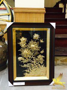 Tranh hoa mẫu đơn mạ vàng.KT: 58cm x 48cm